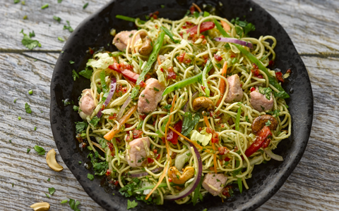 Bacon, Noodle and Crispy Vegetable Salad