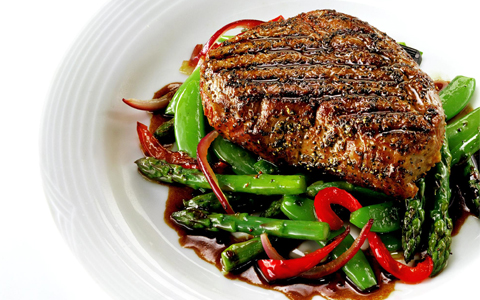 Organic Steak with Grilled Vegetables