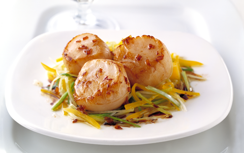 Seared Scallops with Garlic, Lemon And Parsley