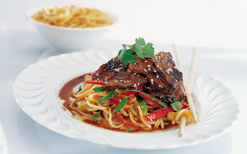 Stir-fry Lamb with Noodles and Hot and Sour Dressing