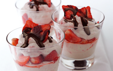 Strawberry and Cream Liqueur Fool